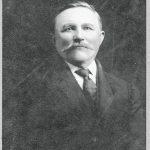 Heinrich Villwock abt 1915 (w/signature)